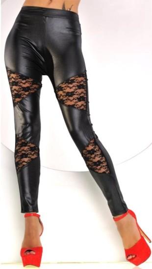 Sexy černé lesklé legíny s krajkovými vsadkami