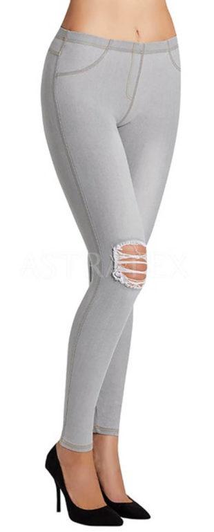 Džegíny s rozpáranými koleny