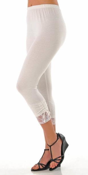 Krátké legíny s nařasenou nohavicí a krajkou