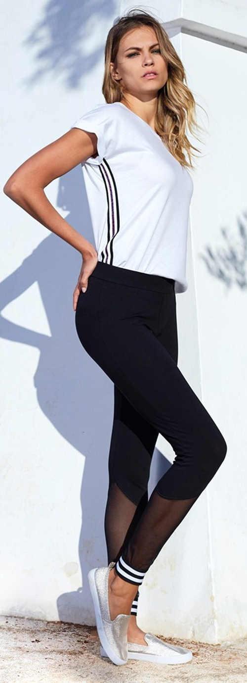 Černé sportovní legíny s tylovými nohavicemi