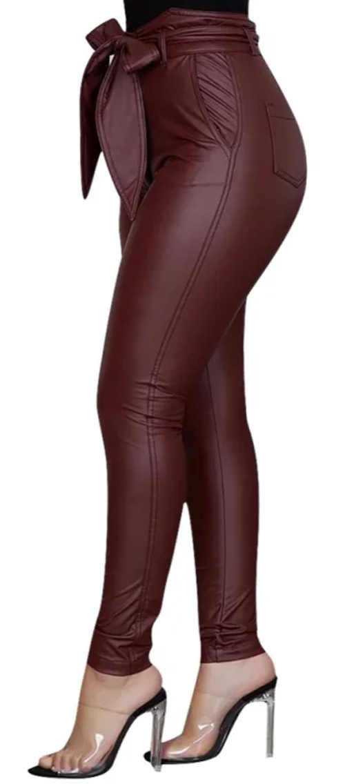 Vínové koženkové kalhoty s velkým opaskem na mašličku