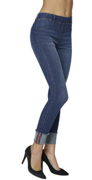 Trendy dámské džegíny s ohrnutým spodním lemem nohavic