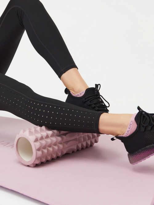 černé sportovní dámské moderní legíny