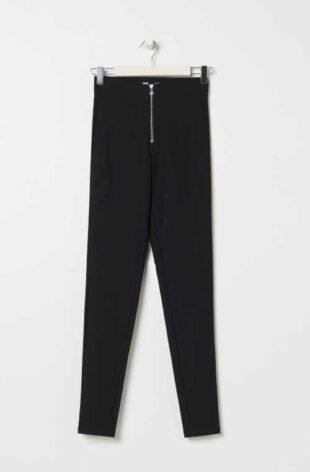 Moderní černé kalhotové legíny s ozdobným zipem